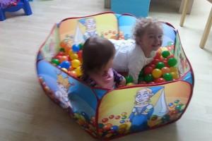 Kleinkindbetreuung-Bällebad
