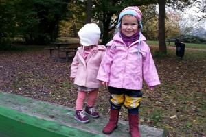 Spielplatz-mit-Kindern
